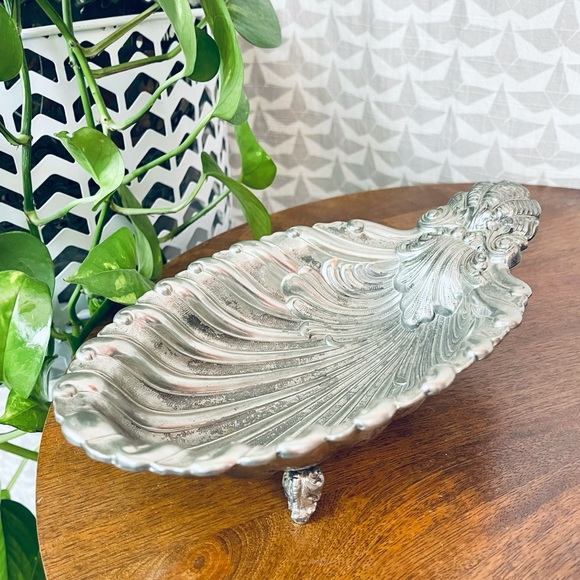 FB Rogers Silverplate Shell Clamshell Bowl Tray